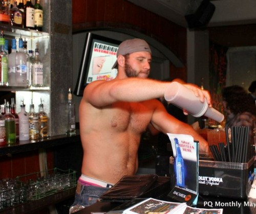 Ross Milam mixes it up at Red Cap. Photo by Izzy Ventura, PQ Monthly.